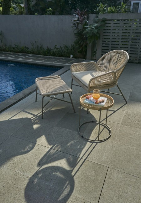 Pandura Lounge Chair with Stool